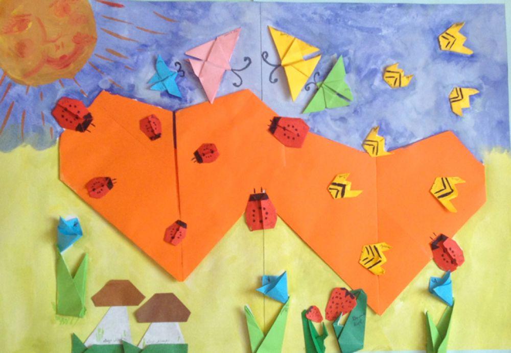 Участник №34. Коллективная работа детей старшей группы «Обезьянки» детского сада №153. «Радуйся вокруг себя!» Техника «Оригами»
