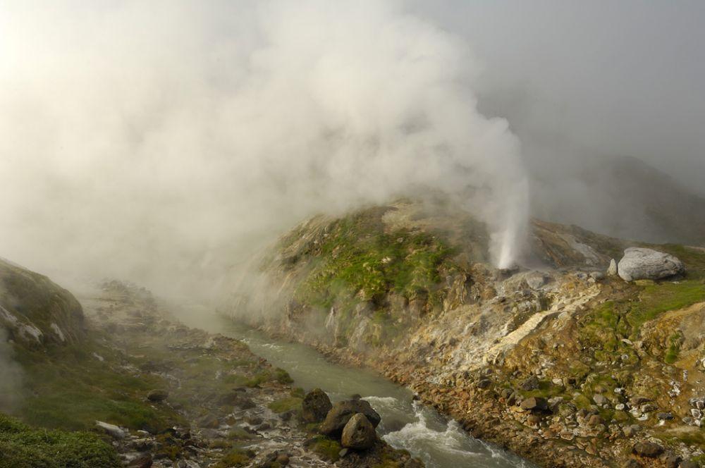 Извержение гейзера Жемчужный, Долина Гейзеров