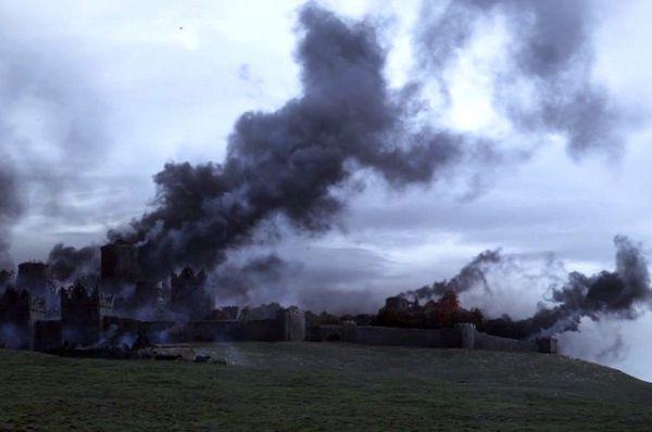 Винтерфелл в огне.