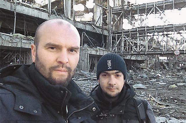 Надёжный коллега и друг Валентина Трушнина оператор Фёдор Болдырев (справа). Каждый день по репортажу!