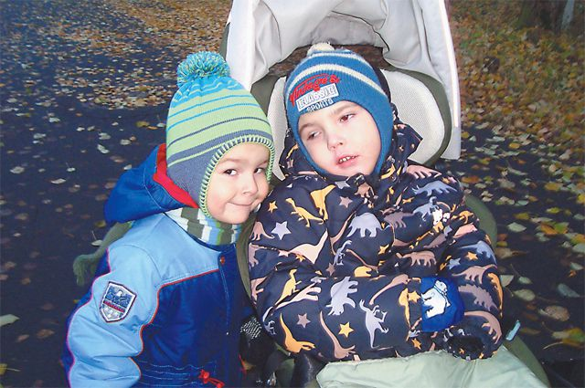 Младший брат очень надеется, что ещё поиграет с Вадимом.