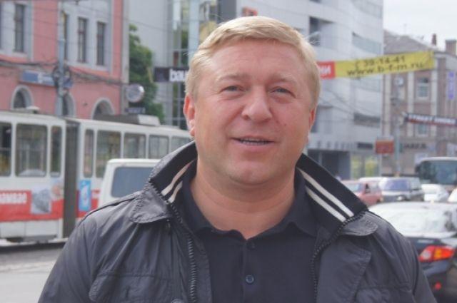 Александр Ярошук отказался менять схему движения на одном из главных перекрестков Калининграда.