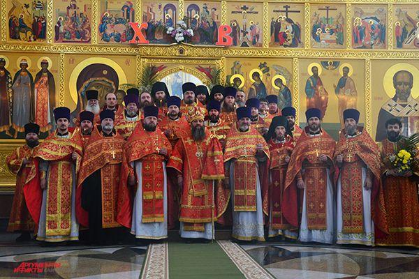 Благодатный огонь разойдется по всем церквям и храмам Камчатки.