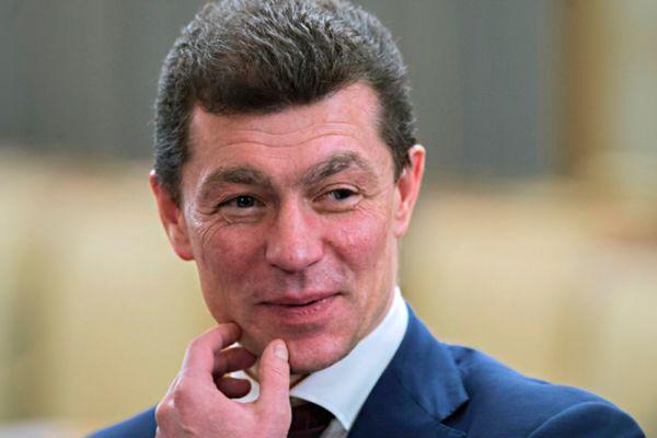 Министр труда и социальной защиты Максим Топилин  заработал 5,1 млн рублей, а вот жена министра в три раза больше – 16,5 млн рублей.