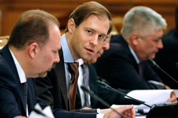 Министр промышленност и торговли Денис Мантуров заработал почти 114 млн рублей.