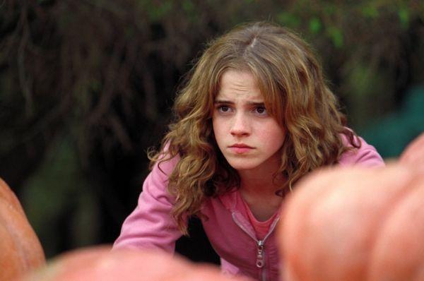 В 2004 году, после выхода в свет третьего фильма о Гарри Поттере - «Гарри Поттер и узник Азкабана», Уотсон получила еще одну награду Otto Awards и награду в номинации «Лучшая детская роль года» от Total Film.  Издание The Washington Post отметило, что игра Эммы в этом фильме была «намного более выдающейся по юмору и по духу», чем игра Дэниела Рэдклиффа.