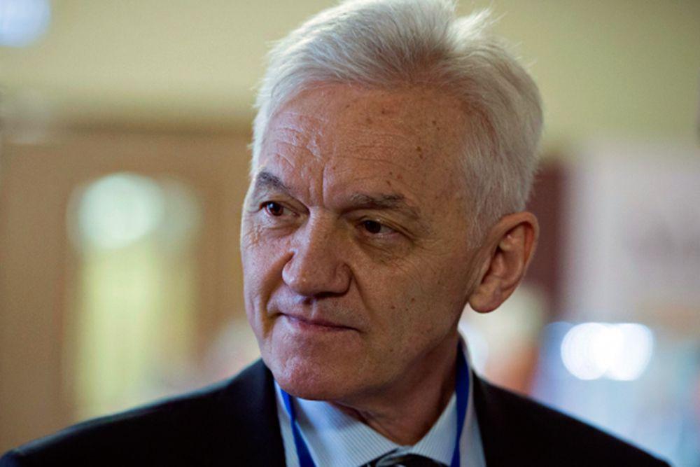 Совладелец «Новатэка» Геннадий Тимченко занимает девятое место с оценкой состояния в $10,7 млрд — это на $4,6 млрд меньше, чем годом ранее.