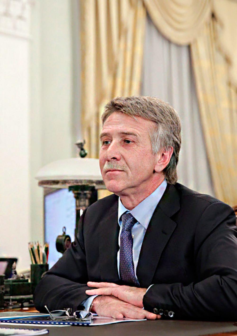Совладелец «Новатэка» Леонид Михельсон за год потерял $3,9 млрд. Его состояние оценивается в $11,7 млрд, он занимает седьмое место.