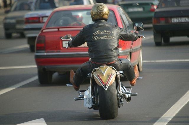 Аварии с мотоциклистами случаются очень часто.