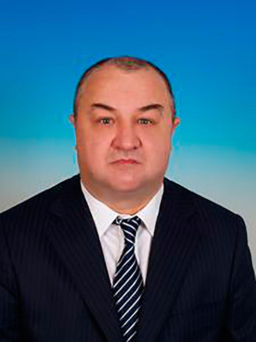 Семейный доход члена фракции КПРФ, замглавы комитета по земельным отношениям и строительству, совладельца строительного холдинга «Лидер Групп» Александра Некрасова в 2014 году составил 860,8 млн руб.