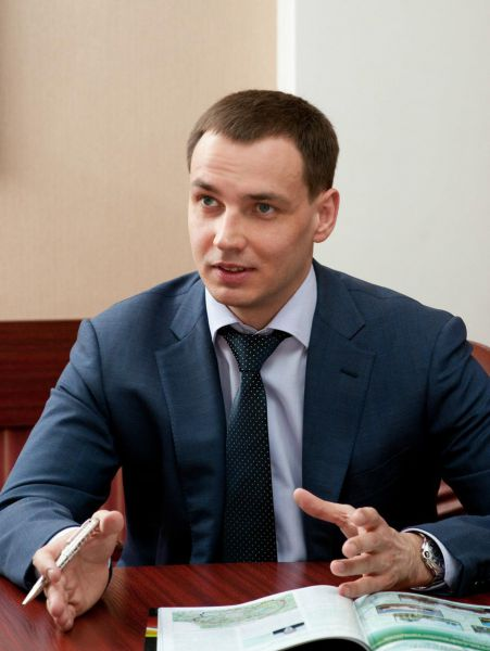 Его сын, председатель Совета директоров ОАО Центродорстрой занял второе место с 183  миллионами рублей..