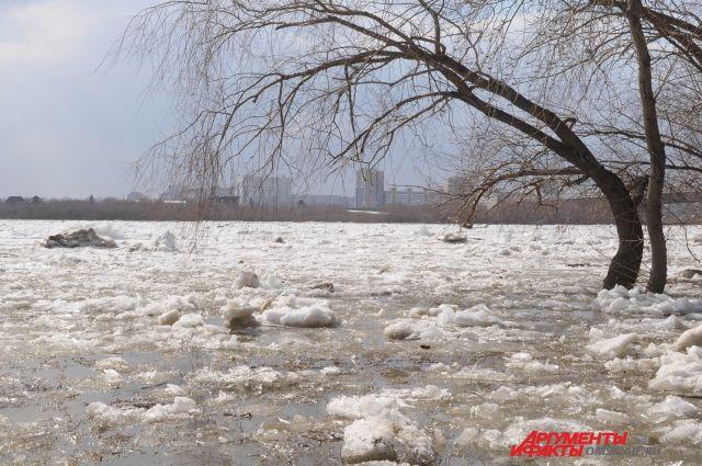 Лёд на Иртыше уже прошёл.