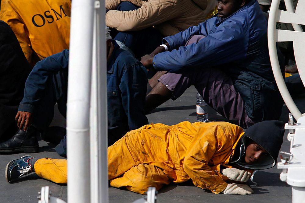 Президент Франции Франсуа Олланд назвал «ужасающей катастрофой» трагедию в Средиземном море и назвал лиц, занимающихся нелегальной перевозкой мигрантов «подлинными террористами».