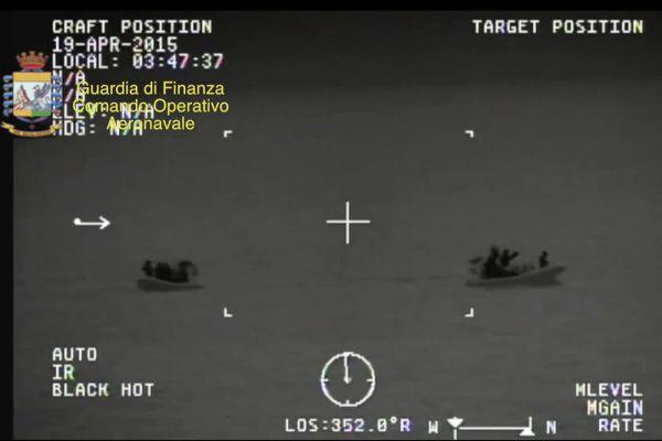 Сигнал бедствия поступил в службу береговой охраны Италии минувшей ночью с судна, направлявшегося из Ливии к югу Апеннин.
