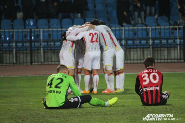 Фото с матча Арсенал-Амкар 23.11.14