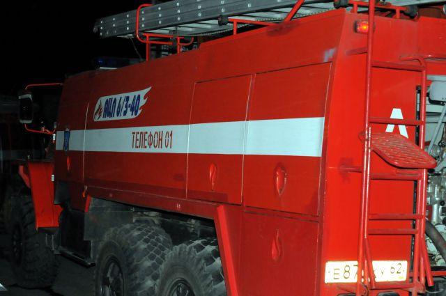 Пожар случился ночью в Центральном округе Омска.