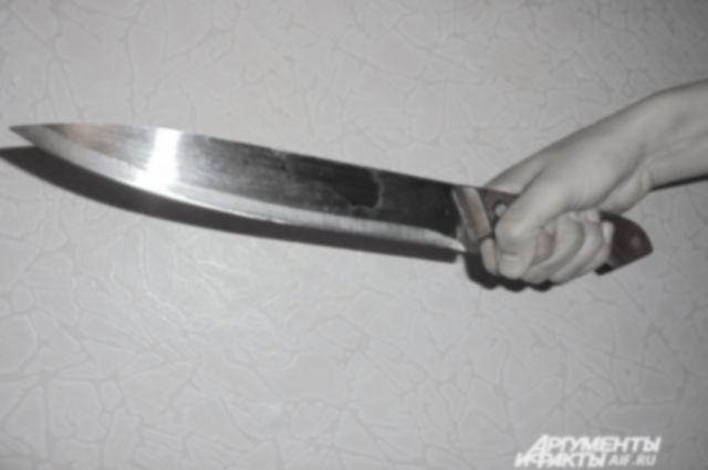 Отец подозревается в убийстве сына ножом.