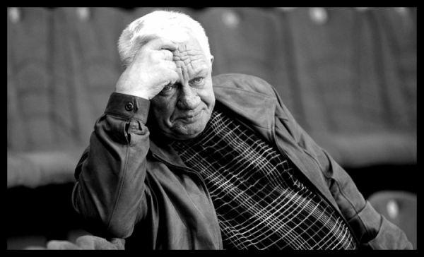 «ХК «Салават Юлаев» выражает глубокие соболезнования родным, близким, друзьям и болельщикам тренера «золотой мечты». Сергей Михайлович, вы останетесь в нашей памяти и в наших сердцах, как великий Тренер и замечательный Человек с большой буквы... Помним и скорбим...», — говорится на официальной странице хоккейного клуба.