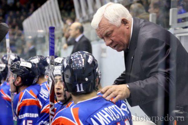 25 октября 2009 года возглавил нижегородское «Торпедо», однако после 6 неудачно проведенных матчей был уволен.