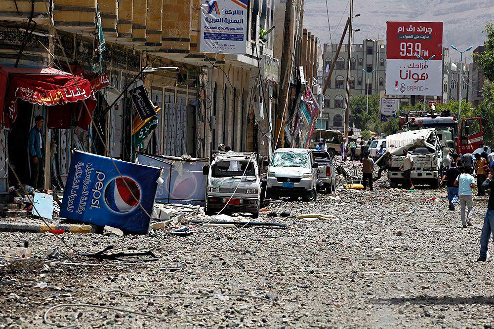 Самолеты коалиции арабских стран сбросили на йеменские города листовки, которые рассказывают об опасности хуситов и Ирана.