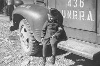 Четырехлетний Янек Шляйфштайн - бывший узник лагеря Бухенвальд.