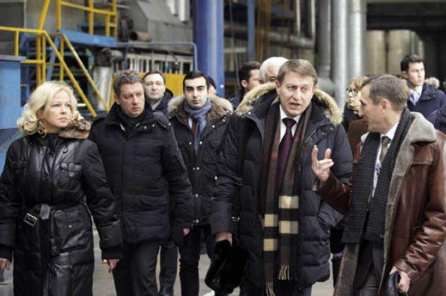 Дмитрий Скриванов (второй справа) лично побывал в моногородах.