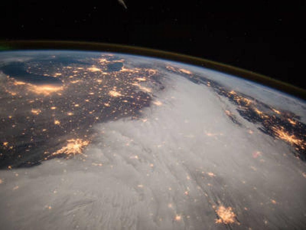 Фото, сделанное на Международной космической станции 7 декабря 2014 года бортинженером Барри Уиолмором. В кадр попали Великие озера, расположенные в центральной части США.