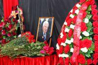Тысячи людей пришли проститься с Михалевым в Уфе.