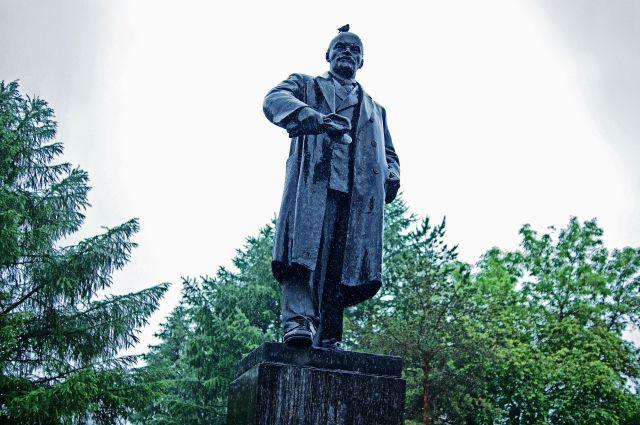 памятники гранит фото москва