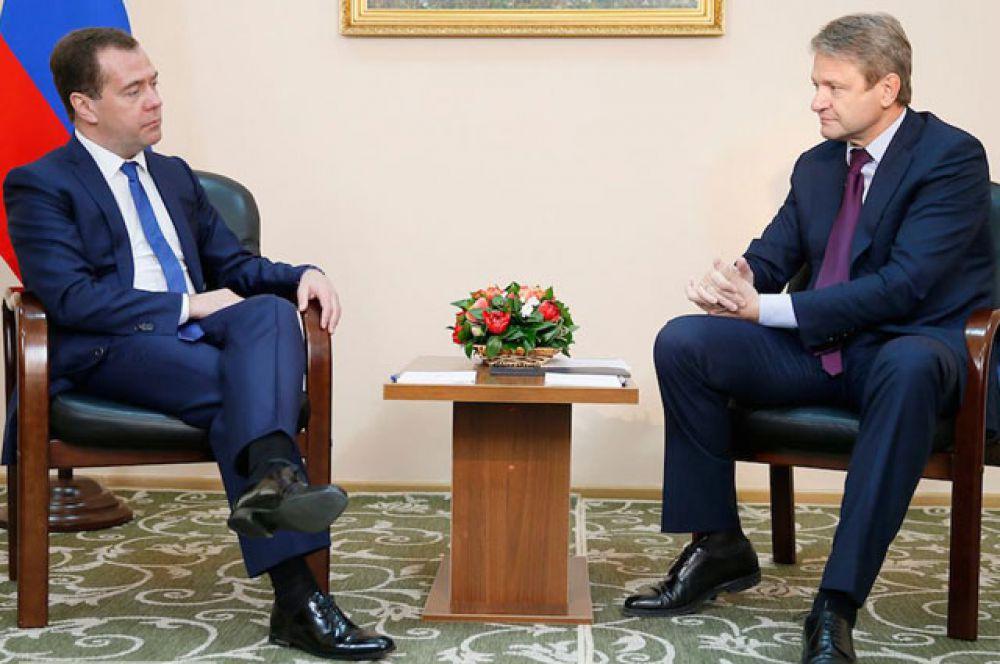 Александр Ткачев с премьер-министром РФ Дмитрием Медведевым, ноябрь 2014 года.