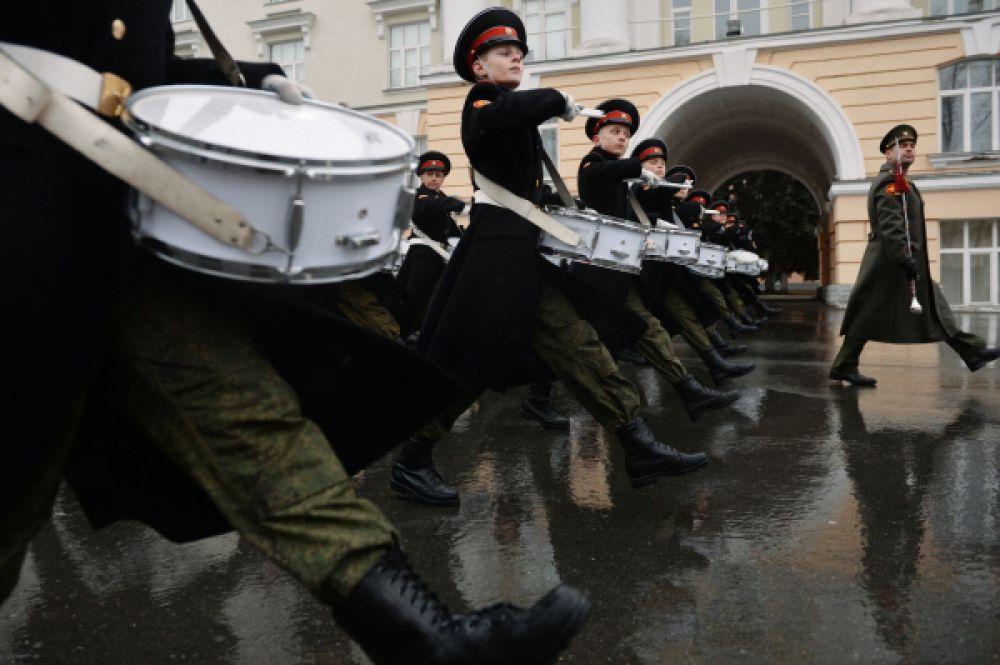 Репетиция Парада Победы в Екатеринбургском Суворовском военном училище Министерства обороны РФ.