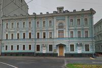 К особняку Бутурлина как магнитом притягивались зажиточные москвичи.