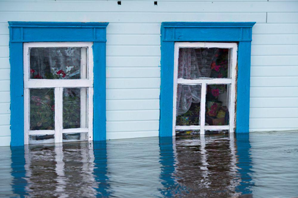 Уточняется, что уровень воды Шиш на 04:00 (по московскому времени) составлял 895 см, при критической отметке 867 см. В Васиссе 169 домов, где проживает 352 человека.