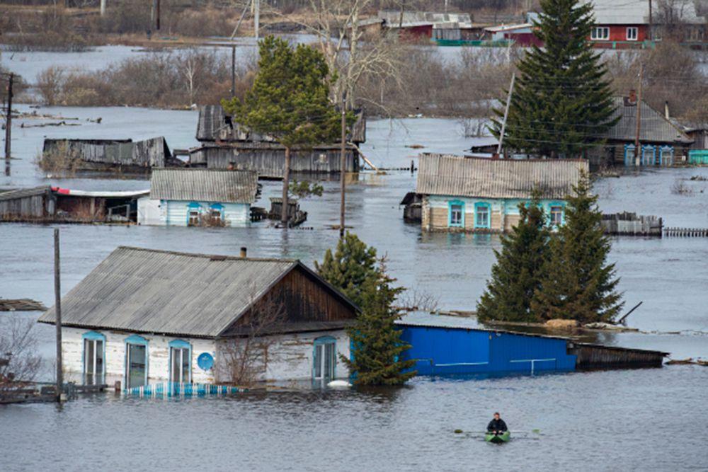 Всего в пяти населенных пунктах Большеуковского района проживают 4875 жителей, из них 1155 детей.