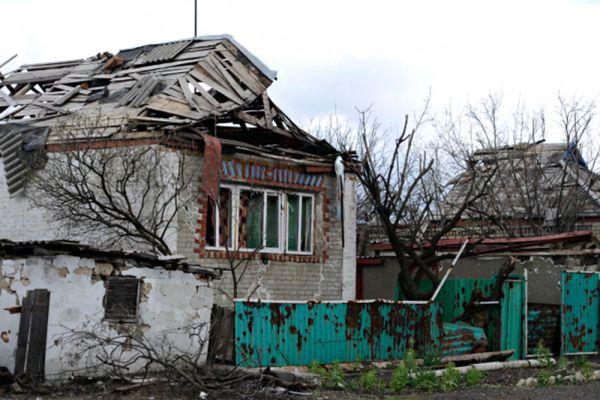 По его словам, ополченцы готовы в кратчайшие сроки вернуть технику к линии разграничения: «В случае атаки Украины через 40 минут будет возврат нашей техники на позиции».