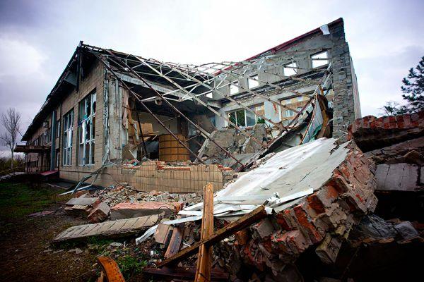 В это время в Широкино находились представители миссии ОБСЕ, которые стали не только свидетелями обстрела, но и оказались под прицелом орудий украинских националистических подразделений.