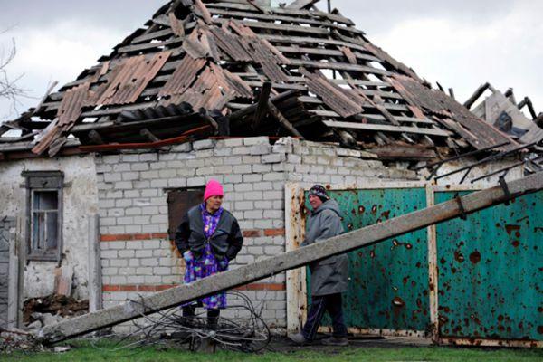 «Данные разведки ДНР показывают, что Украина готова к нанесению удара по Донбассу», - передает Донецкое агентство новостей слова главы ДНР Александра Захарченко.