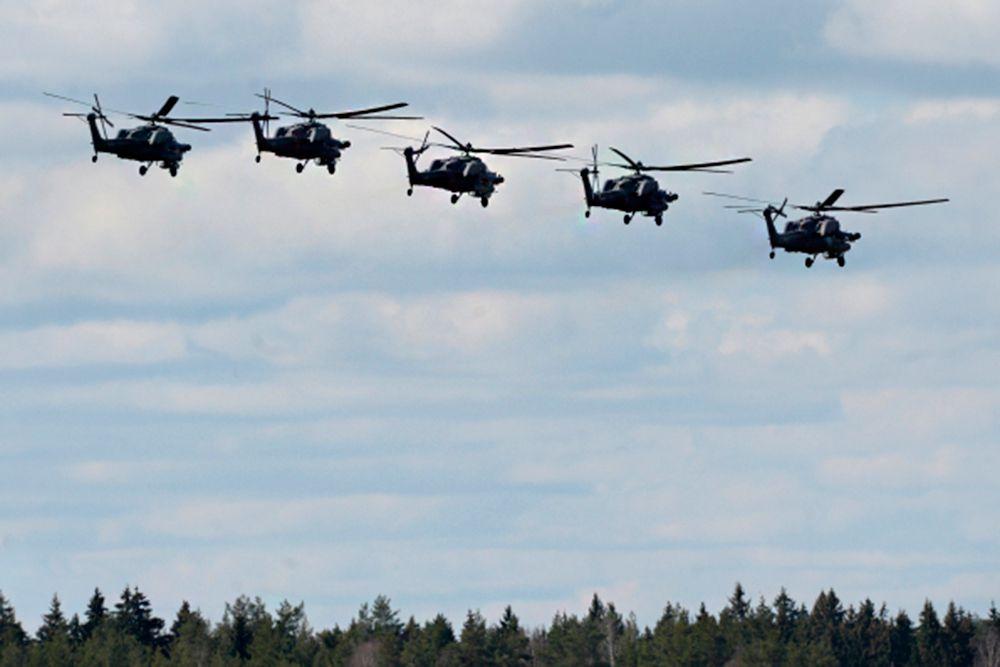 Вертолеты Ми-28.