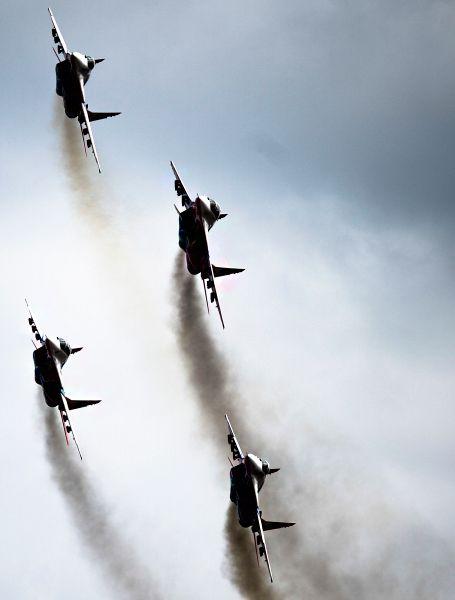 Истребители МиГ-29 пилотажной группы «Стрижи».