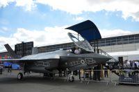 Истребитель Локхид Мартин Ф-35 Лайтнинг II на Международном авиационно-космическом салоне «Фарнборо-2014».