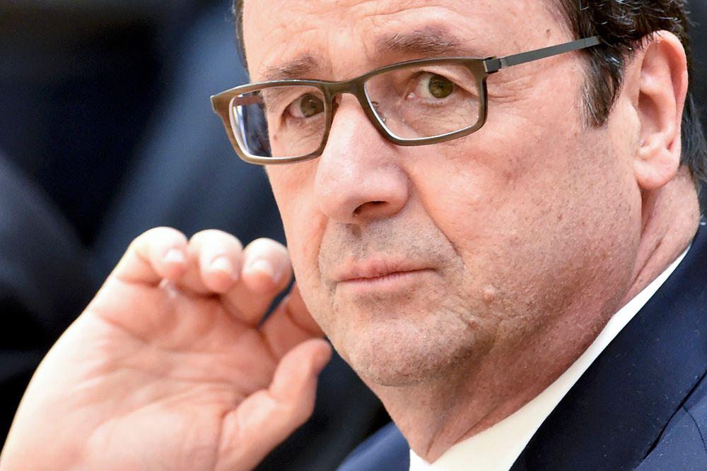 22 апреля. Франсуа Олланд заявил о готовности Франции вернуть деньги за «Мистрали».