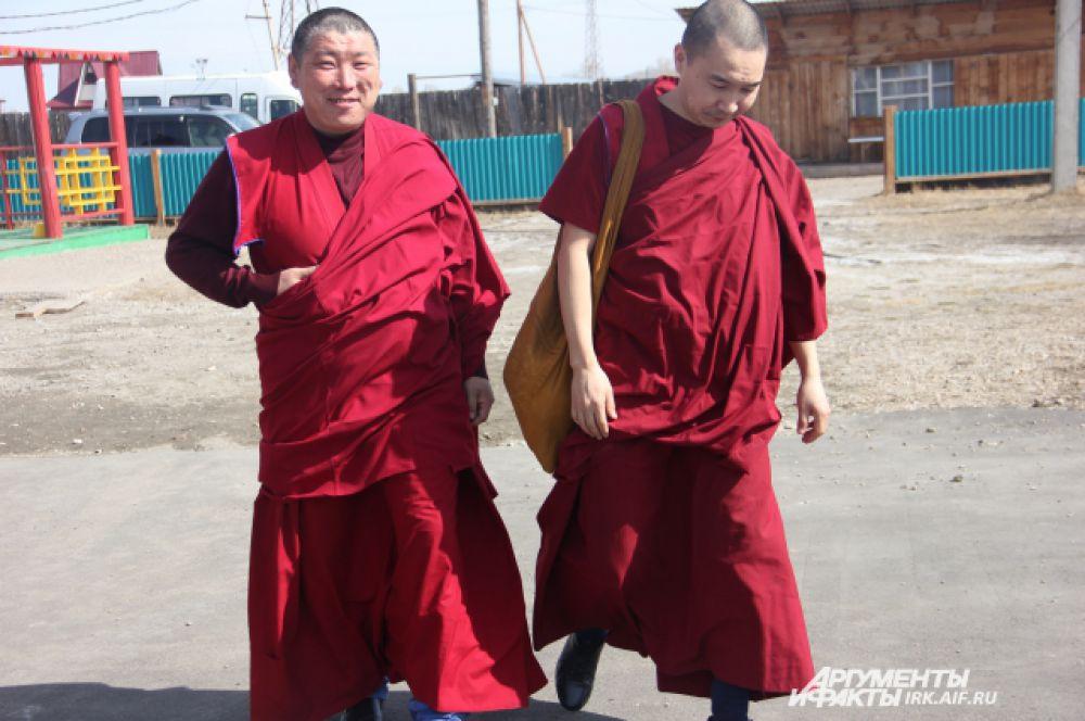 Ламы разных дацанов приехали на торжество.