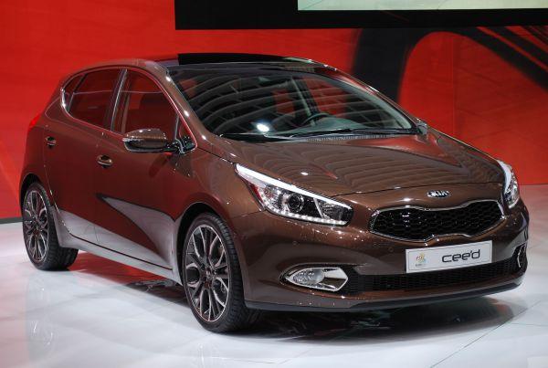 Лидером малого среднего класса стал автомобиль Kia Cee'd.