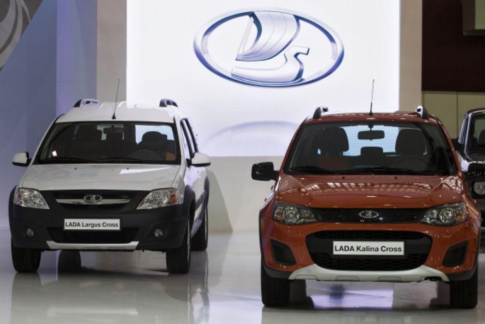 Среди «универсалов повышенной проходимости» лучше стала Lada Kalina Cross. Полугрузовой Lada Largus был признан лучшим среди мини-фургонов.