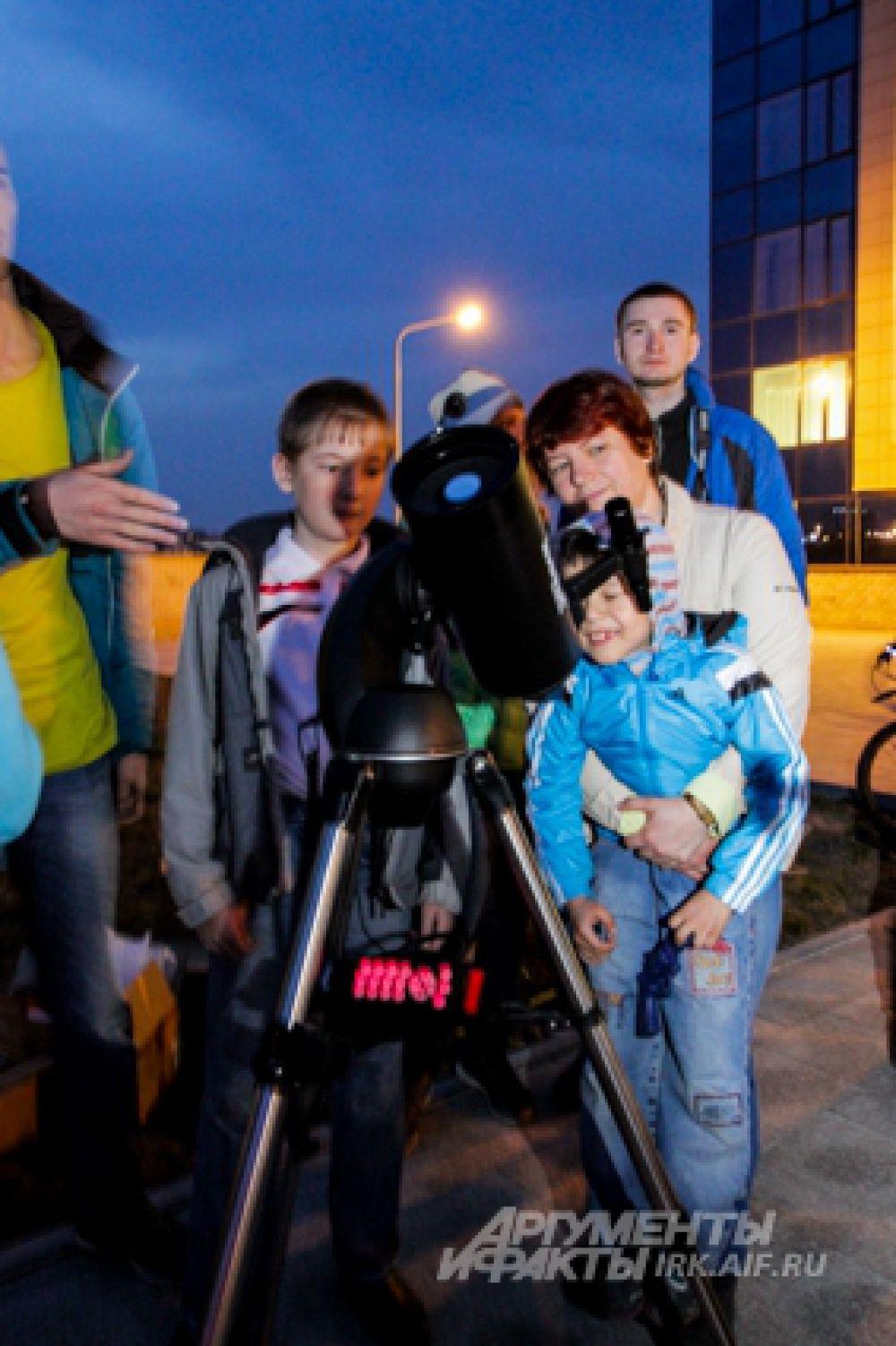 Тогда на небо через телескопы посмотрели 12 тысяч иркутян.