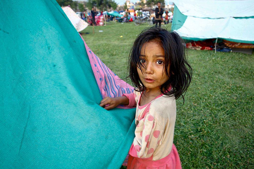 Все открытые пространства в Катманду теперь заняты палаточными лагерями.