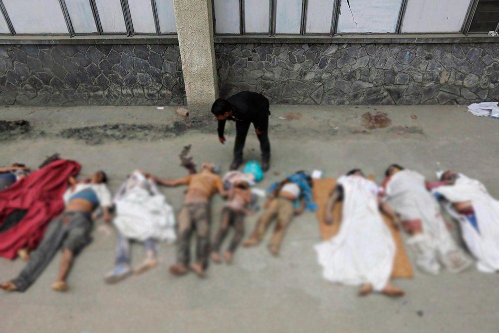 Медики в Непале опасаются эпидемий из-за нехватки мест в больницах.