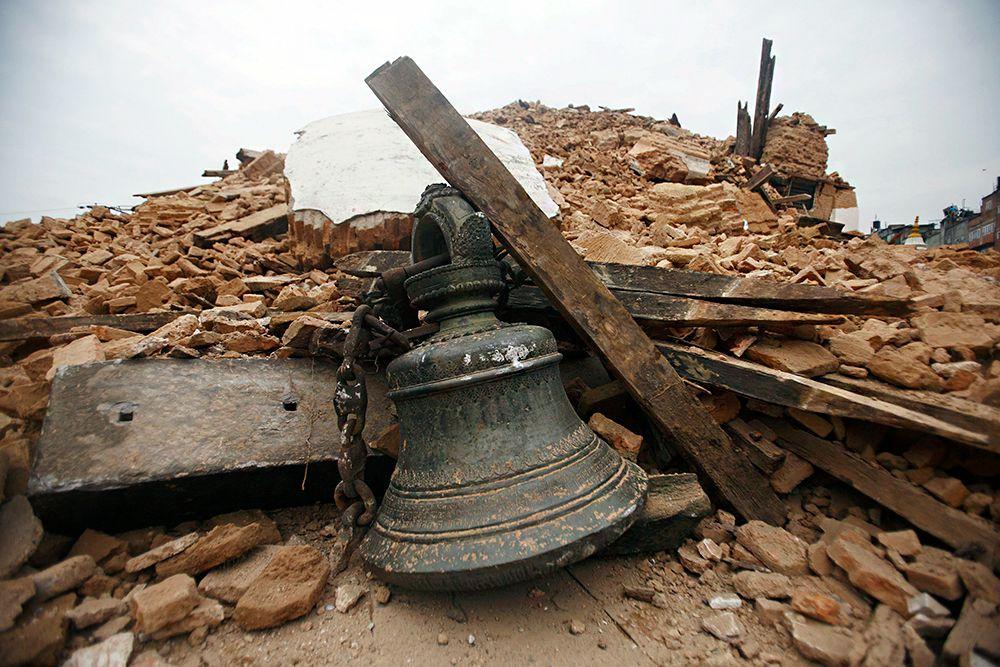 Сильнейшим землетрясением в Непале разрушены уникальные памятники, охраняемые ЮНЕСКО. Историческая часть столицы страны - Катманду - сильно пострадала.