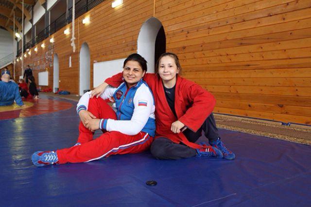 Анжела Гаспарян (слева) вновь стала лучшей.