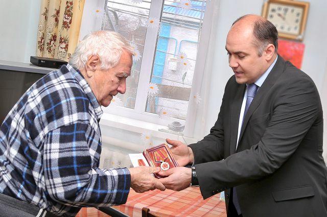 Награда ветерану ВОВ Гриценко Алексею.